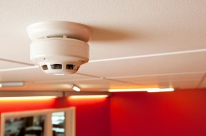 fire alarm system on ceiling